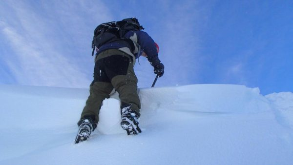 winter mountaineering scotland