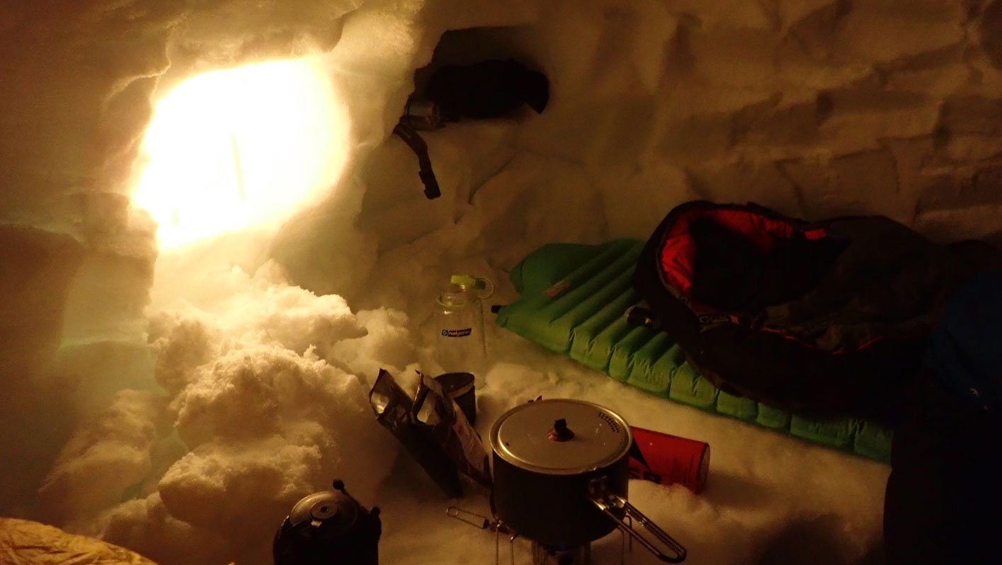 winter mountaineering snowhole