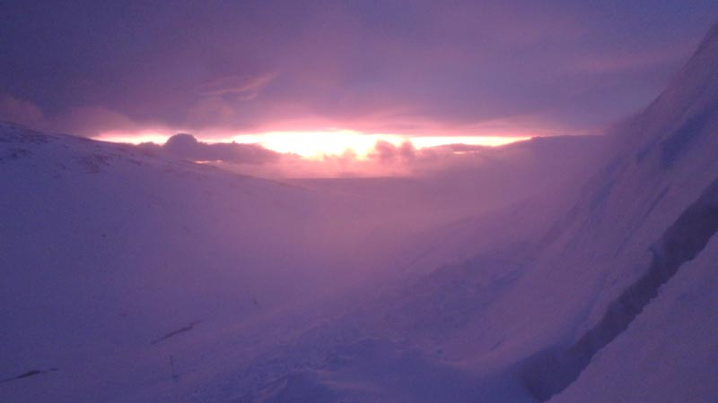 Sinrise from the snowhole