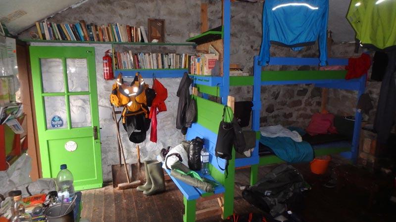 Inside An Cladach Bothy